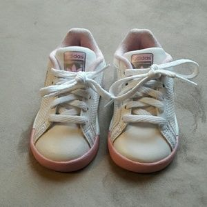 adidas Shoes - Baby girl shoes